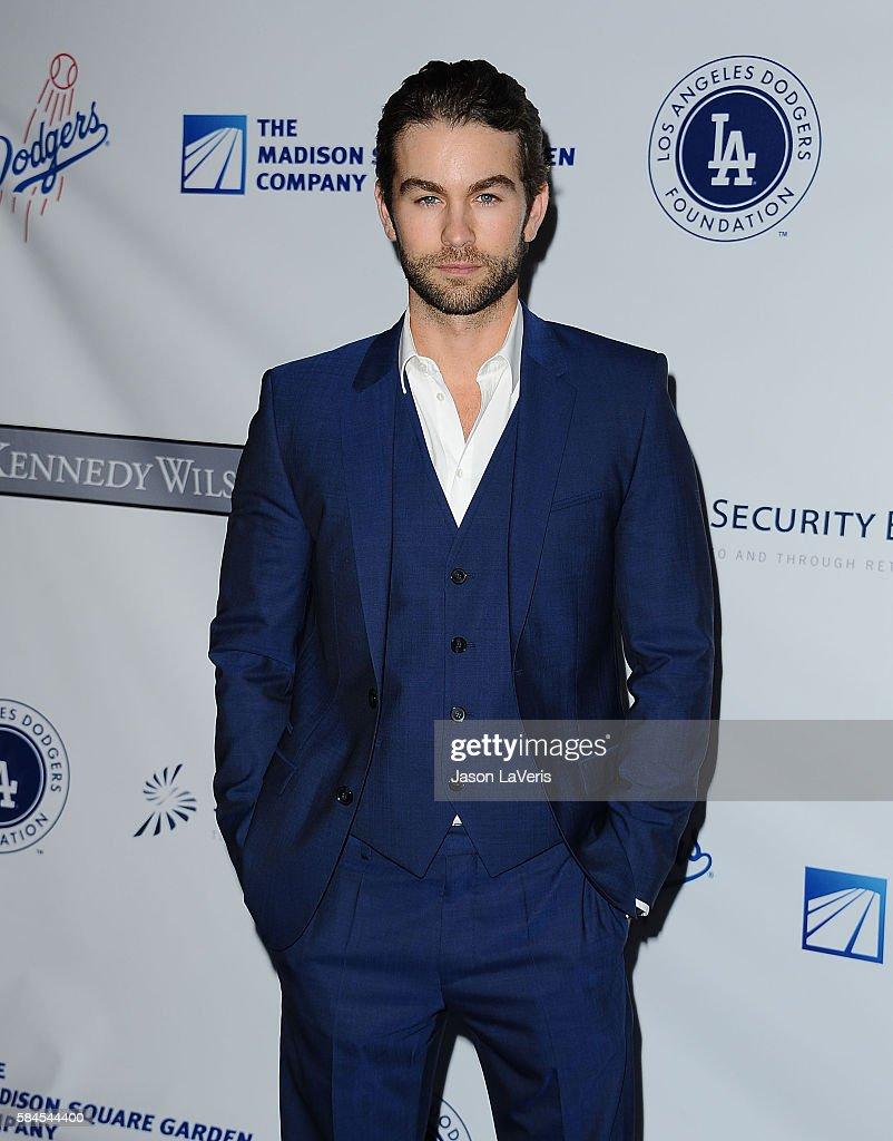 Los Angeles Dodgers Foundation Blue Diamond Gala - Arrivals : Fotografía de noticias