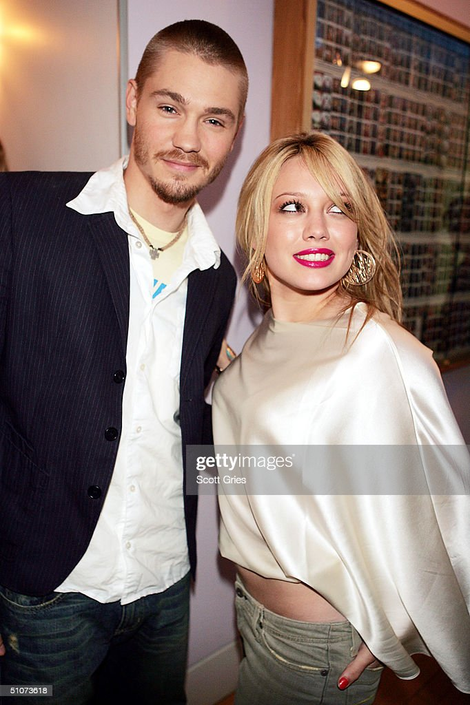 Actor Chad Michael Murray and actress/musician Hilary Duff ...