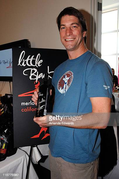 Actor Charlie O'Connell poses at Little Black Dress Wines at Kari Feinstein Golden Globes Style Lounge held at Zune LA on January 9, 2009 in Los...
