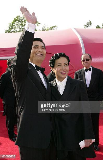 Actor Chow Yun Fat arrives with his wife Jasmine for the 73rd Annual Academy Awards in Los Angeles 25 March 2001 Chow Yun Fat stars in the movie...