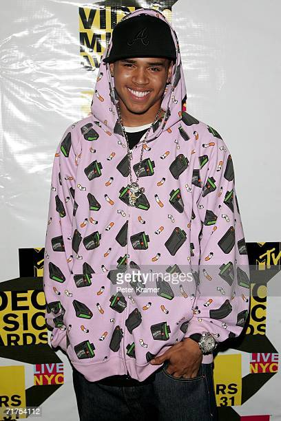 Actor Chris Brown arrives at the MTV 2006 Video Music Awards Forum at Radio City Music Hall in the Grand Lounge on August 30 2006 in New York City