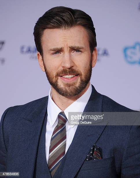 Actor Chris Evans arrives at the Los Angeles premiere of Captain America The Winter Soldier at the El Capitan Theatre on March 13 2014 in Hollywood...