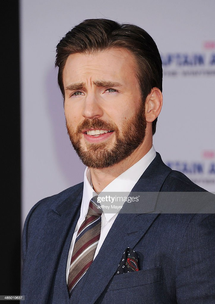 Actor Chris Evans arrives at the Los Angeles premiere of 'Captain America: The Winter Soldier' at the El Capitan Theatre on March 13, 2014 in Hollywood, California.
