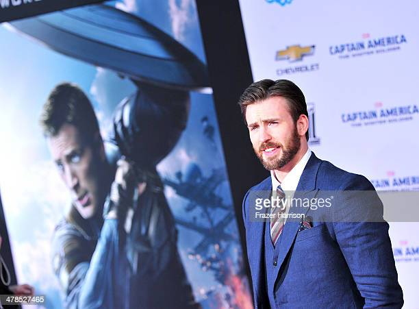 "Actor Chris Evans, arrives at the premiere Of Marvel's ""Captain America:The Winter Soldier at the El Capitan Theatre on March 13, 2014 in Hollywood,..."