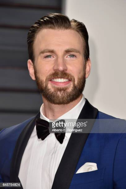 Actor Chris Evans attends the 2017 Vanity Fair Oscar Party hosted by Graydon Carter at Wallis Annenberg Center for the Performing Arts on February...