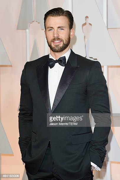 Actor Chris Evans attends the 87th Annual Academy Awards at Hollywood & Highland Center on February 22, 2015 in Hollywood, California.