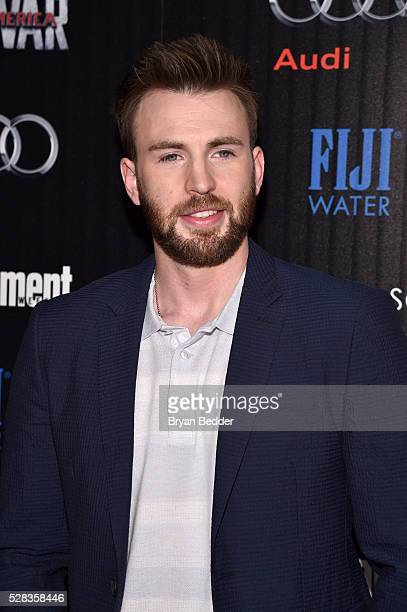 Actor Chris Evans attends the Cinema Society with Audi and FIJI Water host a screening of Marvel's Captain America Civil War on May 4 2016 in New...