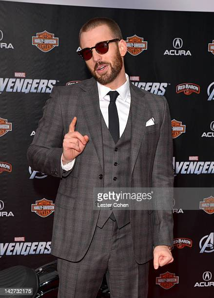"""Actor Chris Evans attends the Los Angeles premiere of """"Marvel's Avengers"""" at the El Capitan Theatre on April 11, 2012 in Hollywood, California."""