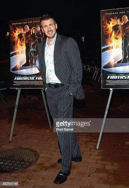 "Actor Chris Evans attends the premiere of ""Fantastic Four"" on Liberty Island July 6, 2005 in New York City."