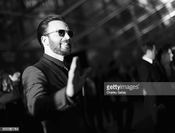 """Actor Chris Evans attends The World Premiere of Marvel's """"Captain America: Civil War"""" at Dolby Theatre on April 12, 2016 in Los Angeles, California."""