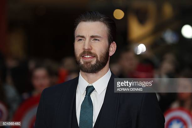 Actor Chris Evans poses on the red carpet arriving for the European Premiere of the film Captain America: Civil War in London on April 26, 2016 / AFP...