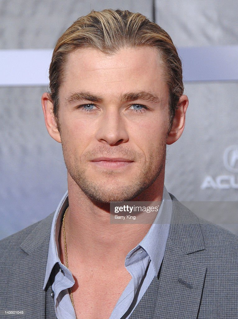 Actor Chris Hemsworth arrives at the Los Angeles Premiere of 'The Avengers' at the El Capitan Theatre on April 11, 2012 in Hollywood, California.