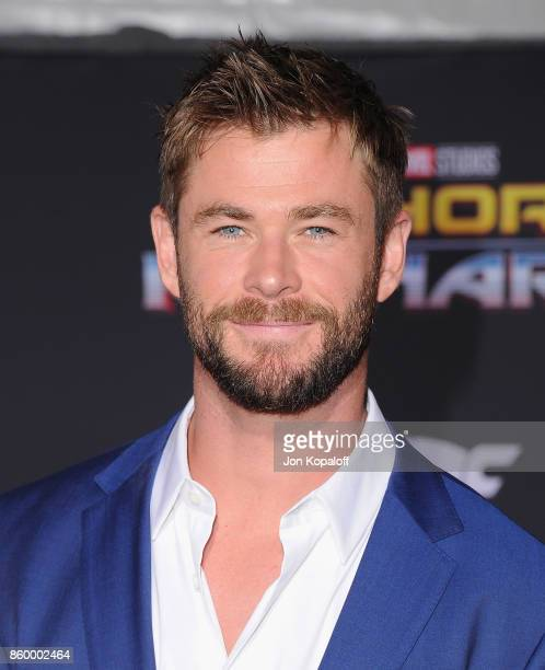 """Actor Chris Hemsworth arrives at the Los Angeles Premiere """"Thor: Ragnarok"""" on October 10, 2017 in Hollywood, California."""