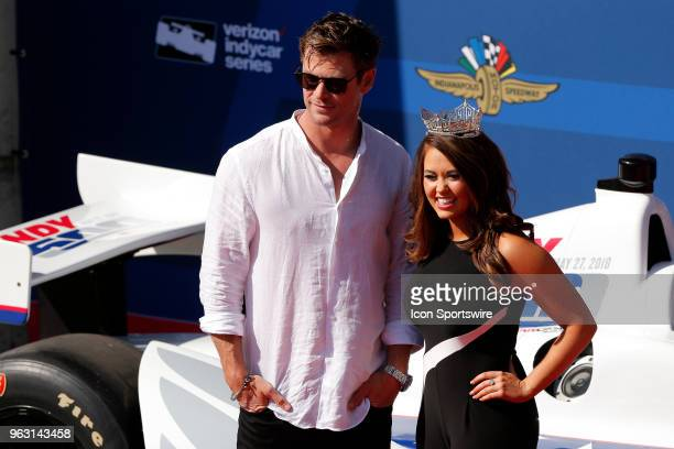 Actor Chris Hemsworth poses for a picture with Miss America Cara Mund on the red carpet during the Indianapolis 500 on May 27 at the Indianapolis...