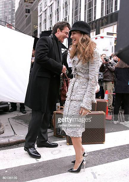 Actor Chris Noth and actress Sarah Jessica Parker on location for Annie Leibowitz's Vogue Sex and the City photo shoot March 5 2008 in New York City