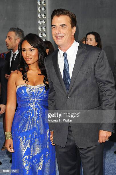 Actor Chris Noth and Tara Wilson attend Sex And The City 2 Premiere presented by MercedesBenz And Maybach at Radio City Music Hall on May 24 2010 in...