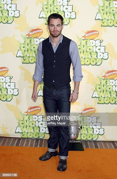 Actor Chris Pine arrives at Nickelodeon's 2009 Kids' Choice Awards at the Pauley Pavilion on March 28 2009 in Los Angeles California