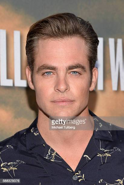 Actor Chris Pine arrives at the Los Angeles red carpet screening of 'Hell Or High Water' at ArcLight Hollywood on August 10 2016 in Hollywood...