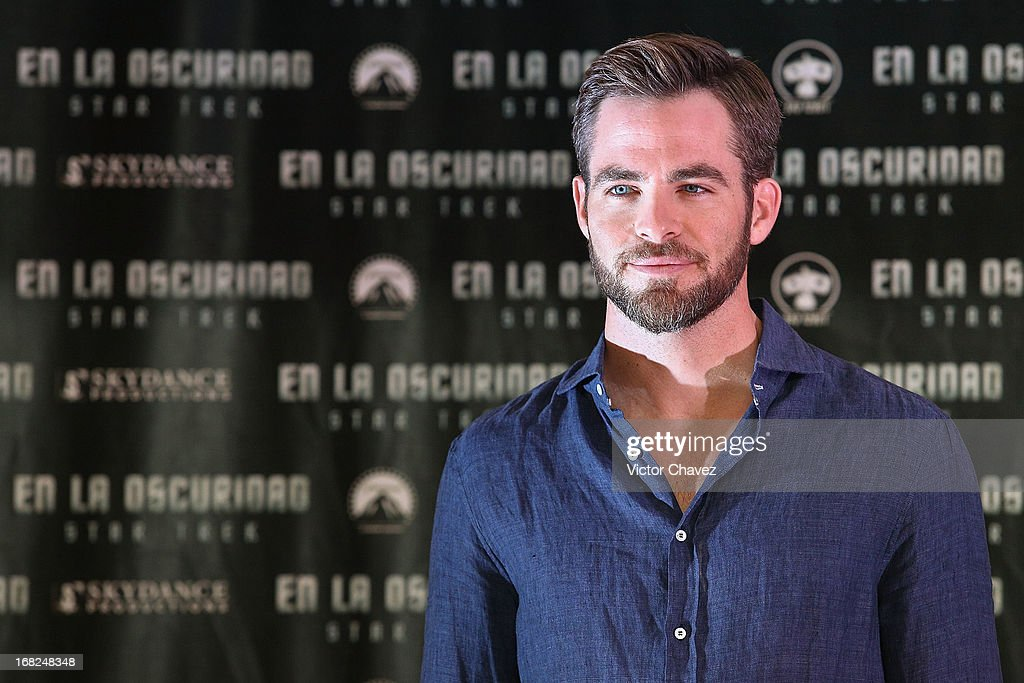Actor Chris Pine attends a photocall to promote the new film 'Star Trek Into Darkness' at Four Seasons Hotel on May 7, 2013 in Mexico City, Mexico.