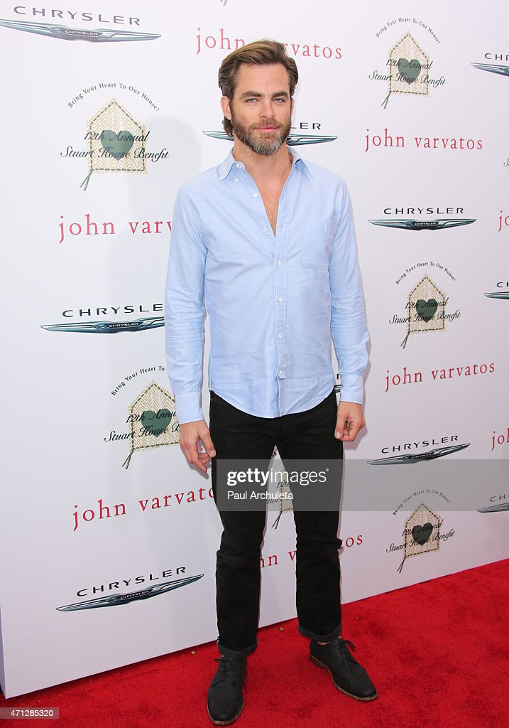 Actor Chris Pine attends the 12th Annual John Varvatos Stuart House Benefit at John Varvatos on April 26, 2015 in Los Angeles, California.