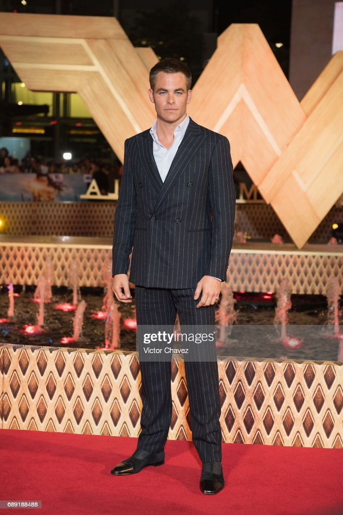 Actor Chris Pine attends the 'Wonder Woman' Mexico City premiere at Parque Toreo on May 27, 2017 in Mexico City, Mexico.