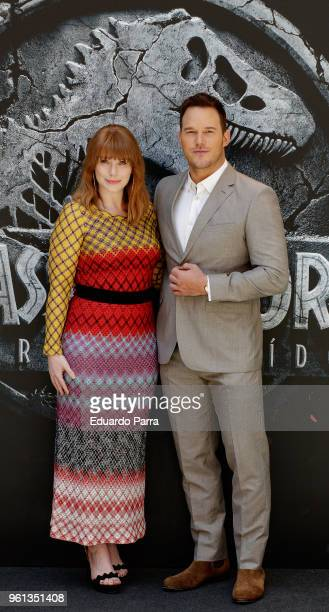 Actor Chris Pratt and Actress Bryce Dallas Howard attend the 'Jurassic World: Fallen Kingdom' photocall at Villamagna hotel on May 22, 2018 in...