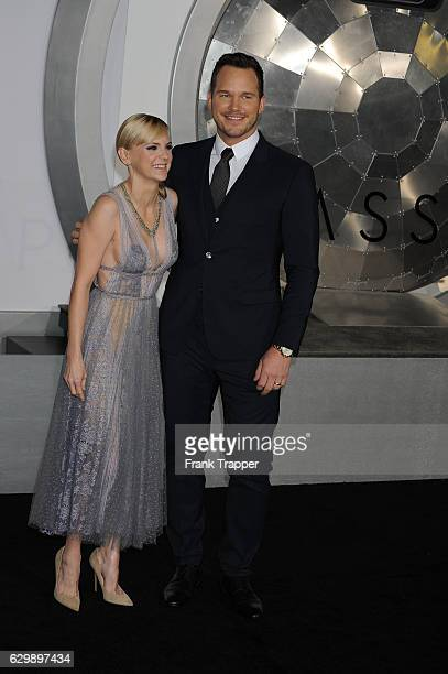 """Actor Chris Pratt and Anna Faris attend the premiere of Columbia Pictures' """"Passengers"""" at Regency Village Theatre on December 14, 2016 in Westwood,..."""