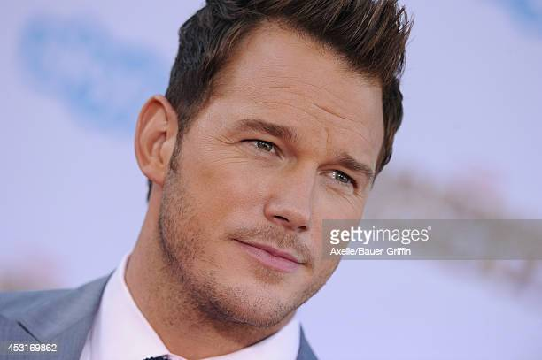 Actor Chris Pratt arrives at the Los Angeles premiere of 'Guardians Of The Galaxy' at the El Capitan Theatre on July 21, 2014 in Hollywood,...