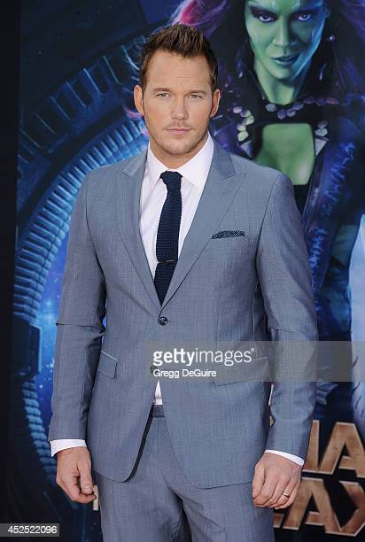 """Actor Chris Pratt arrives at the Los Angeles premiere of Marvel's """"Guardians Of The Galaxy"""" at the El Capitan Theatre on July 21, 2014 in Hollywood,..."""
