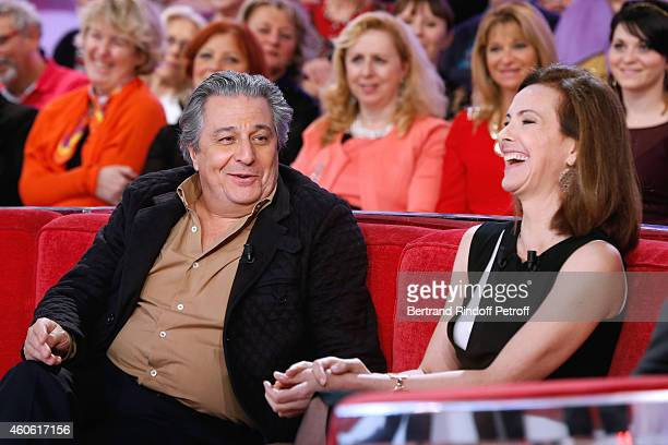 Actor Christian Clavier and main guest of the show actress Carole Bouquet present the movie 'Une heure de tranquilite' during the 'Vivement Dimanche'...