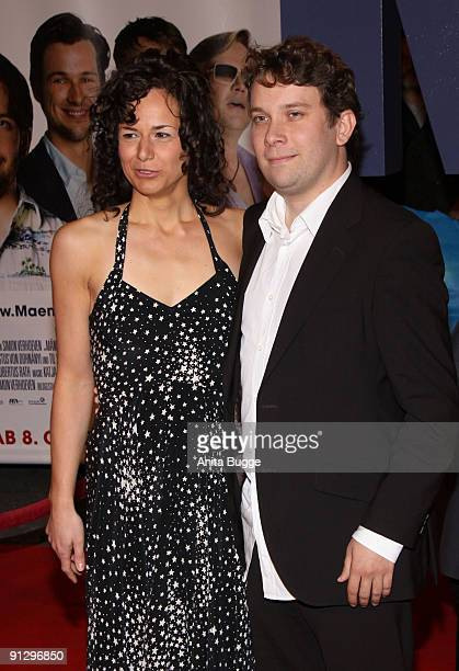 Actor Christian Ulmen and his wife Huberta attend the premiere of 'Maennerherzen' at the CineMaxx movie theater on September 30, 2009 in Berlin,...