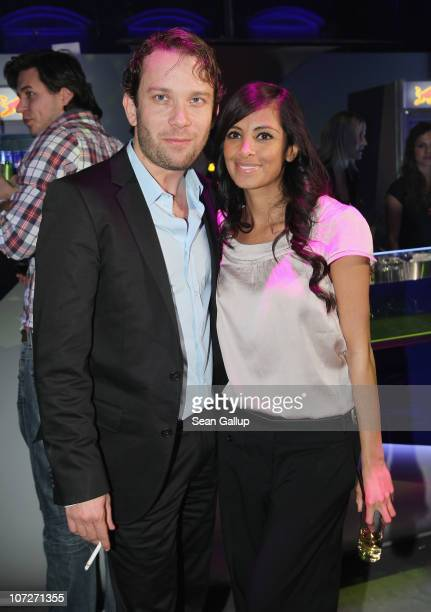 Actor Christian Ulmen and television presenter Collien Fernandes attend the '1Live Krone' music awards at the Jahrhunderthalle on December 2 2010 in...