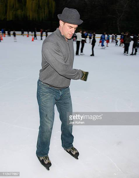 Actor Christopher Meloni ice skates at the 2009 Skating with the Stars at Wollman Rink in Central Park on April 6 2009 in New York City