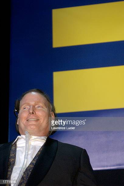 Actor Christopher Reeve speaks at the Human Rights Campaign Second Annual Greater New York Gala February 8 in New York City.