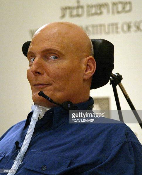 us actor christopher reeve  who is paralyzed since a 1995