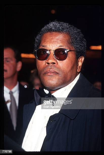 Actor Clarence Williams III attends a Angela Lansbury celebration benefit at the Majestic Theatre November 17 1996 in New York City Angela Lansbury...