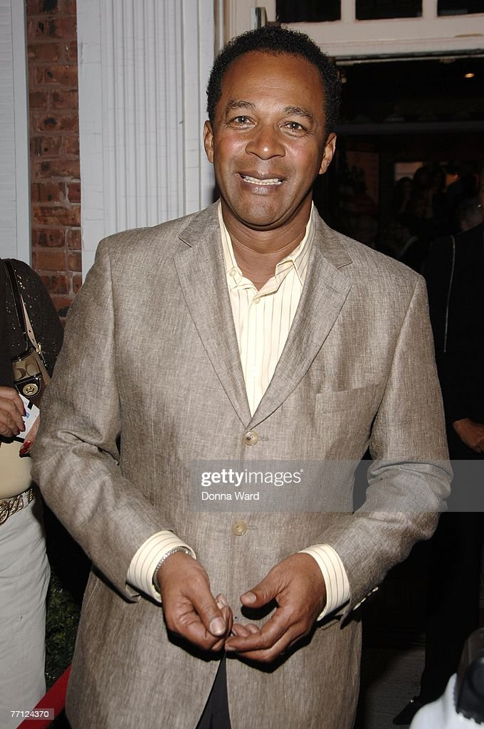 Actor Clifton Davis attends the debut performance of 'Happy Days' at The Paper Mill Playhouse on September 30, 2007 in Millburn, New Jersey.