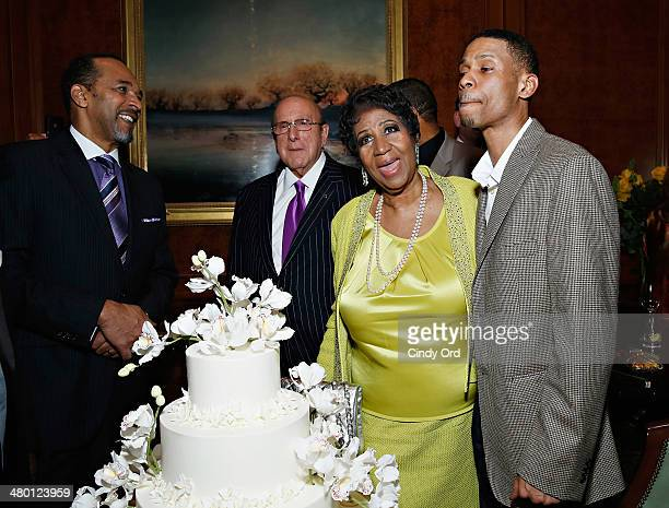 Actor Clifton Davis record producer/ music industry executive Clive Davis singer Aretha Franklin and Kecalf Cunningham attend Aretha Franklin's 72nd...