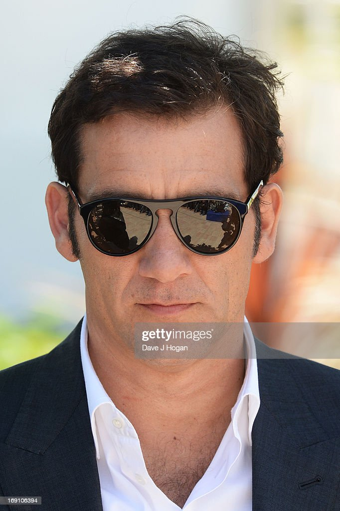 Actor Clive Owen attends the photocall for 'Blood Ties' at The 66th Annual Cannes Film Festival on May 20, 2013 in Cannes, France.