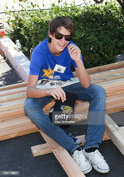 colin ford nackt
