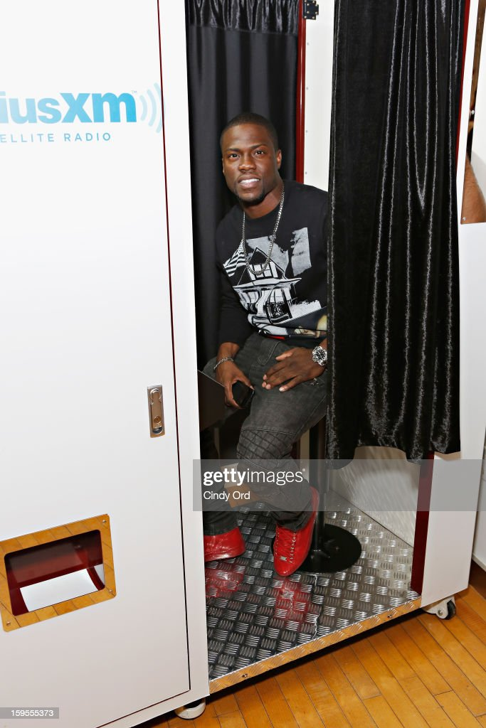 Actor/ comedian Kevin Hart poses in the SiriusXM photo booth at the SiriusXM Studios on January 15, 2013 in New York City.