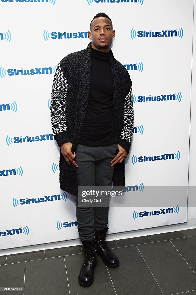 Actor/ comedian Marlon Wayans visits the SiriusXM Studios on January 25, 2016 in New York City.