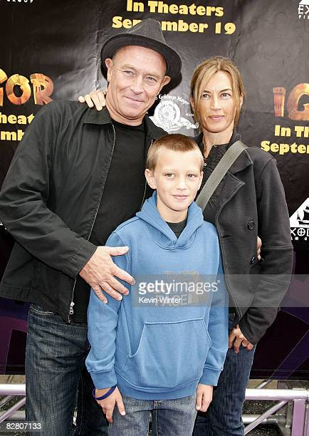Actor Corbin Bernsen his wife actress Amanda Pays and their son Finley arrive at the premiere of Exodus Film Group's Igor at the Chinese Theater on...