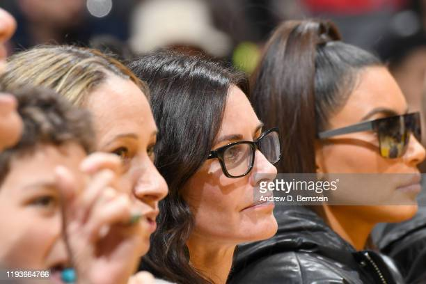 Actor Courteney Cox attends the game between the Los Angeles Lakers and Cleveland Cavaliers on January 13 2020 at STAPLES Center in Los Angeles...