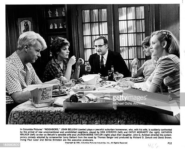 Actor Dan Aykroyd actress Cathy Moriarty actor John Belushi actresses LaurenMarie Taylor and Kathryn Walker on set of the Columbia Pictures movie...