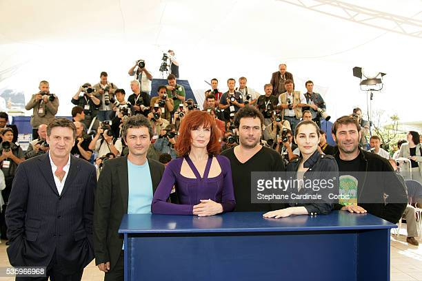 Actor Daniel Auteuil directors JeanMarie and Arnaud Larrieu actress Sabine Azema actress Amira Casar and actor Sergi Lopez at the Peindre ou Faire...