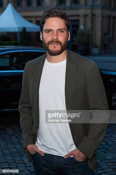 Actor Daniel Bruehl attend the '7 Tage in Entebbe' Premiere at Kino in der Kulturbrauerei on April 23 2018 in Berlin Germany