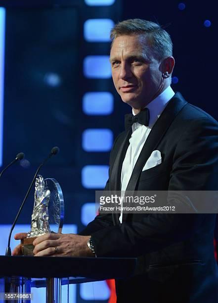 Actor Daniel Craig accepts the Britannia Award for British Artist of the Year at the 2012 BAFTA Los Angeles Britannia Awards Presented By BBC AMERICA...