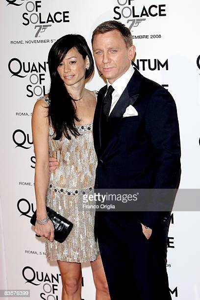 Actor Daniel Craig and his wife attend Quantum Of Solace premiere at the Warner Village Moderno cinema on November 5 2008 in Rome Italy