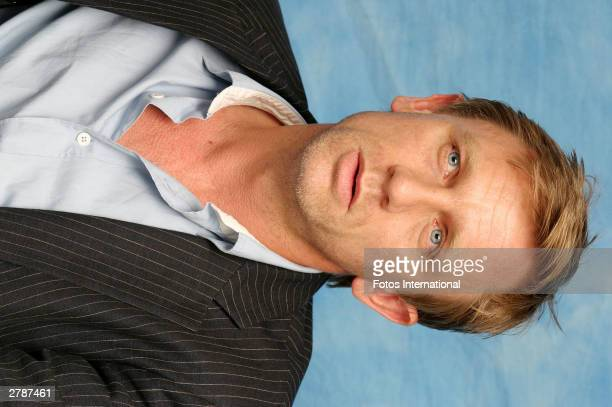 OUT*** Actor Daniel Craig answers questions from the press at a junket for his new film 'Sylvia' at the Dorchester Hotel October 13 2003 in London...